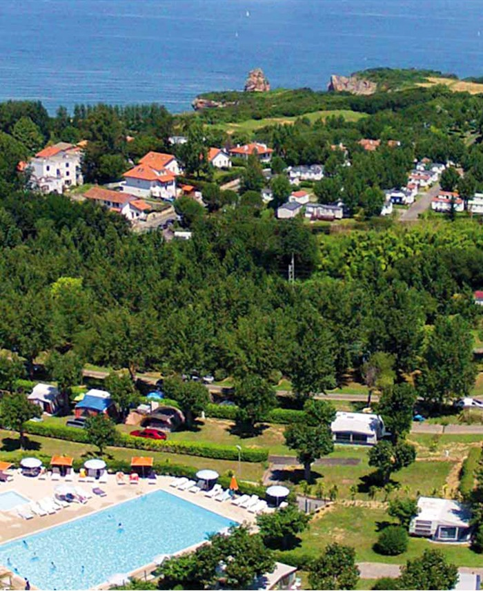 Camping hendaye 4 toiles camping pays basque cote basque for Camping pays basque bord de mer avec piscine